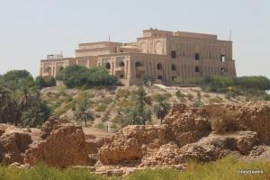 Babylon view to Saddams Palace (TT)